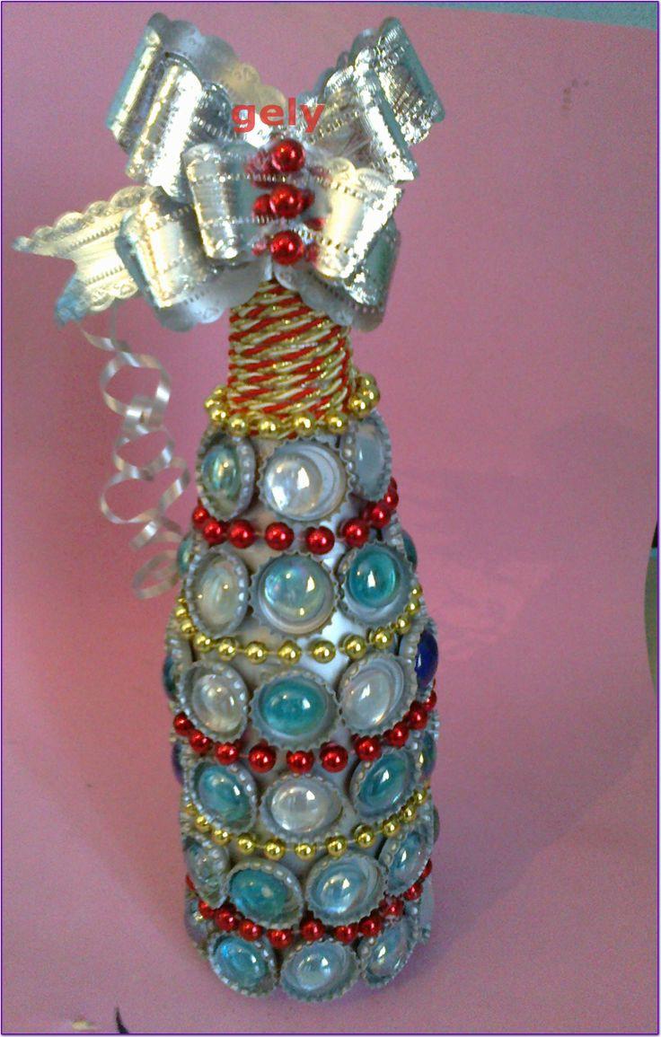 Botella de champan decorada con chapas de refresco - Botellas de plastico decoradas ...