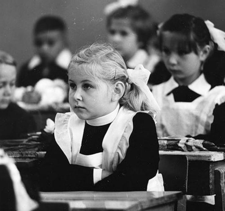 Как проходила жизнь каждого советского школьника • НОВОСТИ В ФОТОГРАФИЯХ