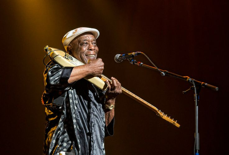 Buddy Guy at Experience Hendrix St. Louis, MO March 13, 2014.  Photo by © Todd Morgan www.BackBeat-Photography.com