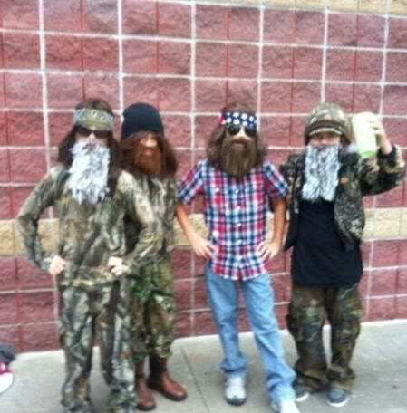 haha! Duck Dynasty Costumes :). I have to get the boys to do this for Halloween.  What ya thinks Dan?