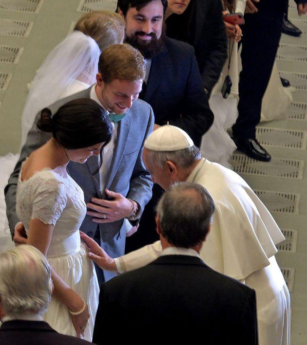 """El Papa Dice Que Un Buen Padre Muestra """"Cercanía, Dulzura Y Firmeza"""", Pero Nunca Da """"Una Bofetada En La Cara"""""""