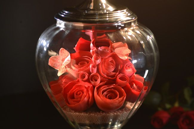 Unbelievable Chocolate Roses -- yes, Chocolate!! -- in Glass Vase
