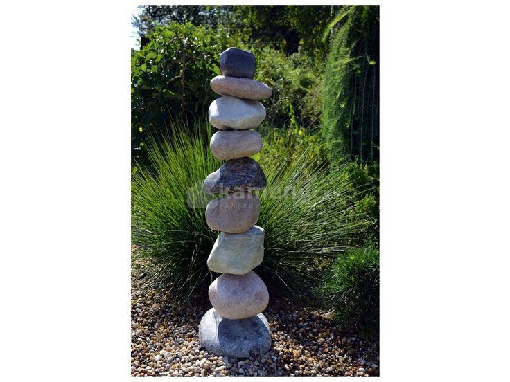 Kamenná fontána z valounů je vyrobena z přírodního kamene. Pro zprovoznění je…