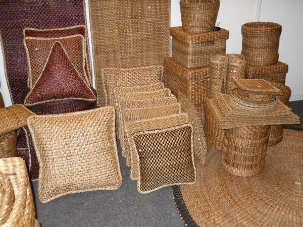Natural webbing craft from Hipando members