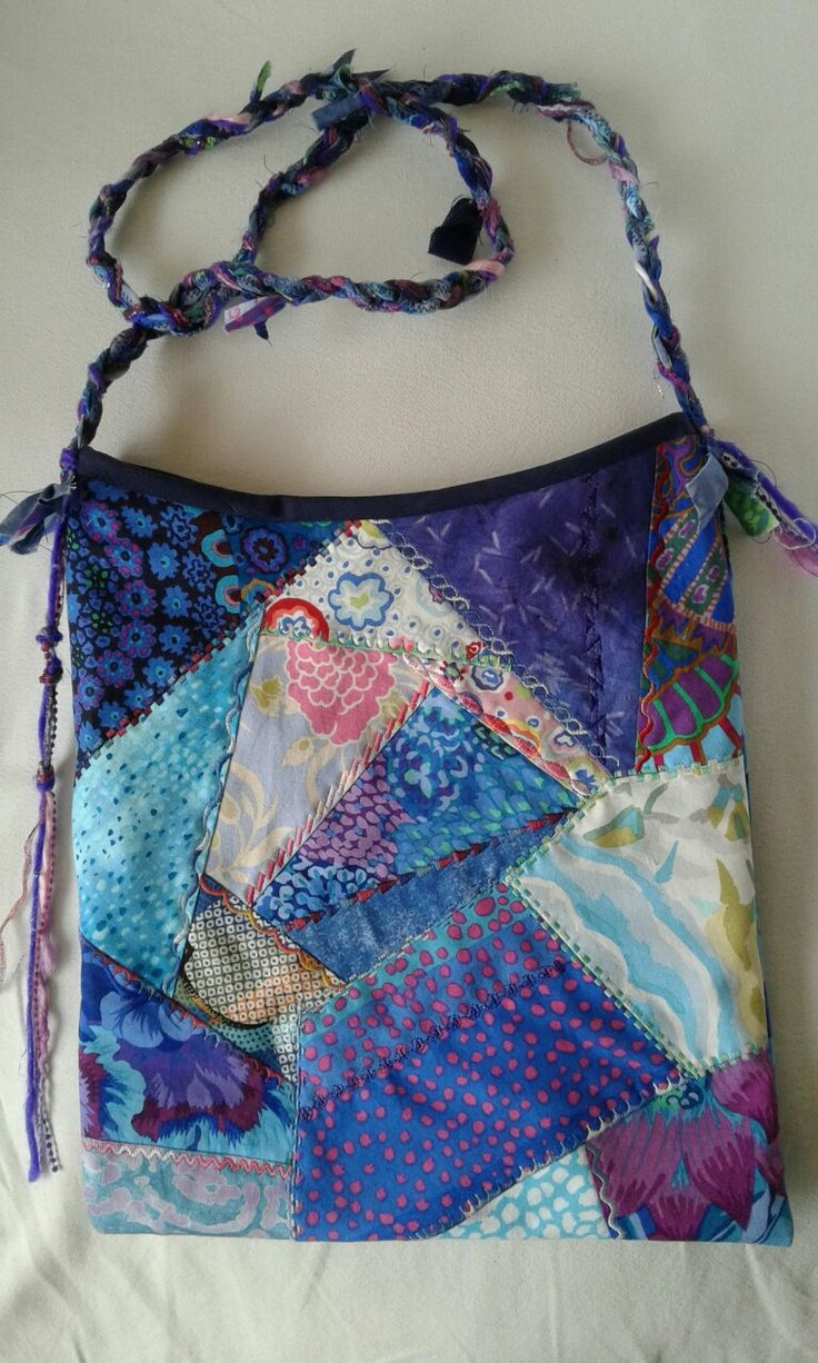 Crazy quilt bag 30 x 26 cm  R180 phone 082 399 1985
