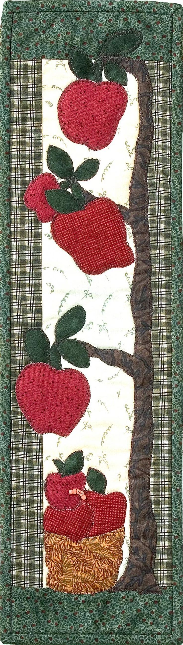 Apple table runner/wall hanging---Everyday and Non Seasonal