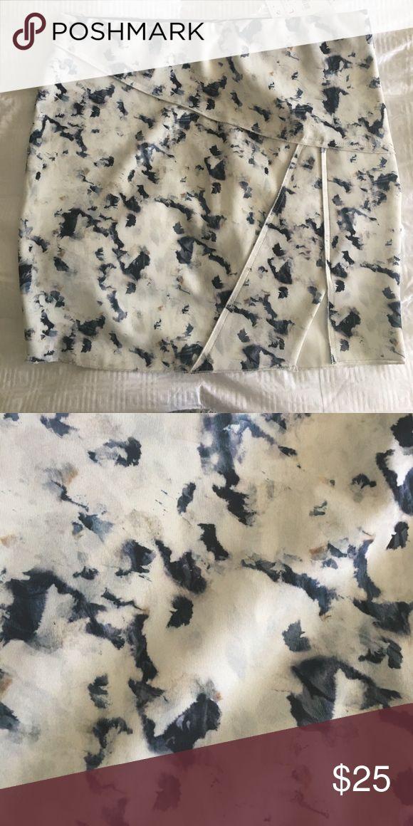 NWT Zara Skirt NWT Zara Skirt. Never Worn. Zara Skirts Mini