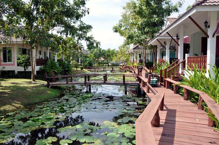 North of Bangkok - Ayutthaya, Phitsanulok, Si Satchanalai and Sukhothai