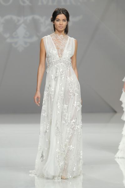 Vestidos de noiva para mulheres baixas 2017: 40 modelos que a vão deixar boquiaberta! Image: 4