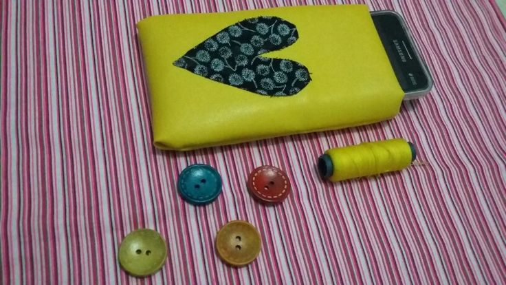 Save your gadget #diy #handmade #pouch #sewing #yellow #liveit