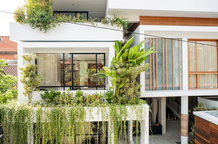 At Muse Villa, Seminyak, on the 1st floor are a double bedroom and a twin bedroom, each with their own sitting area and the home theatre. The 2nd floor has a third double bedroom with a balcony and another bathroom and the terrace and pool are located on the 3rd floor.