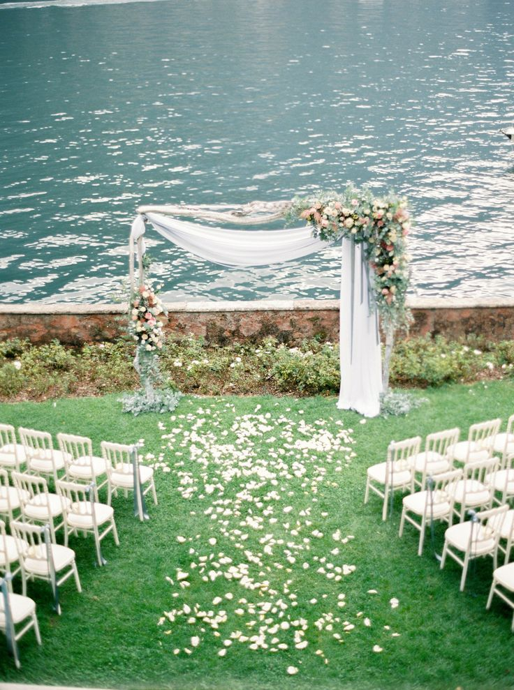 Photography : Darya Kamalova Of Thecablookfotolab | Floral Design : Ratti Flora | Venue : Villa Regina Teodolinda | Event Planning : Italian Easy Wedding Read More on SMP: http://www.stylemepretty.com/2016/02/01/al-fresco-lake-como-wedding/