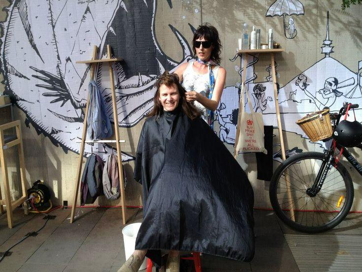 Dry haircutting - Art not apart festival.