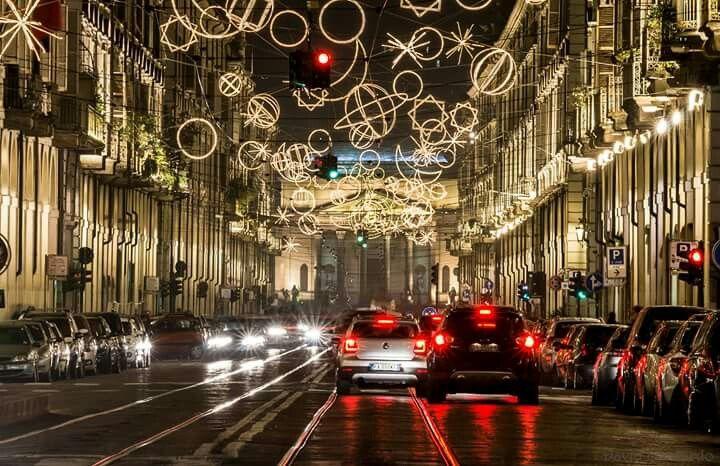 Via Roma, luci d'artista 2015. Foto di Leonardo David