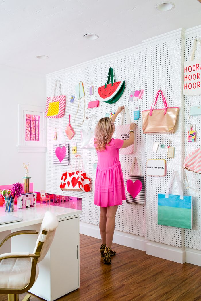 I need this wall in my future home!! Bando_Office_Peg_Board_Wall