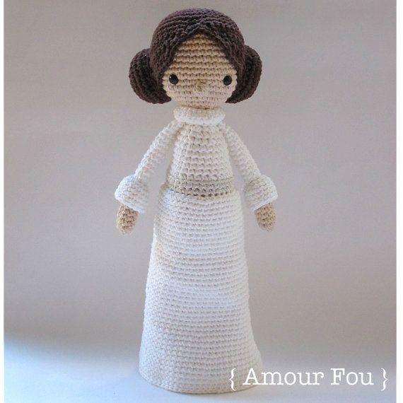 Princess Leia  Crochet pattern by  Amour Fou  por AmourFouCrochet