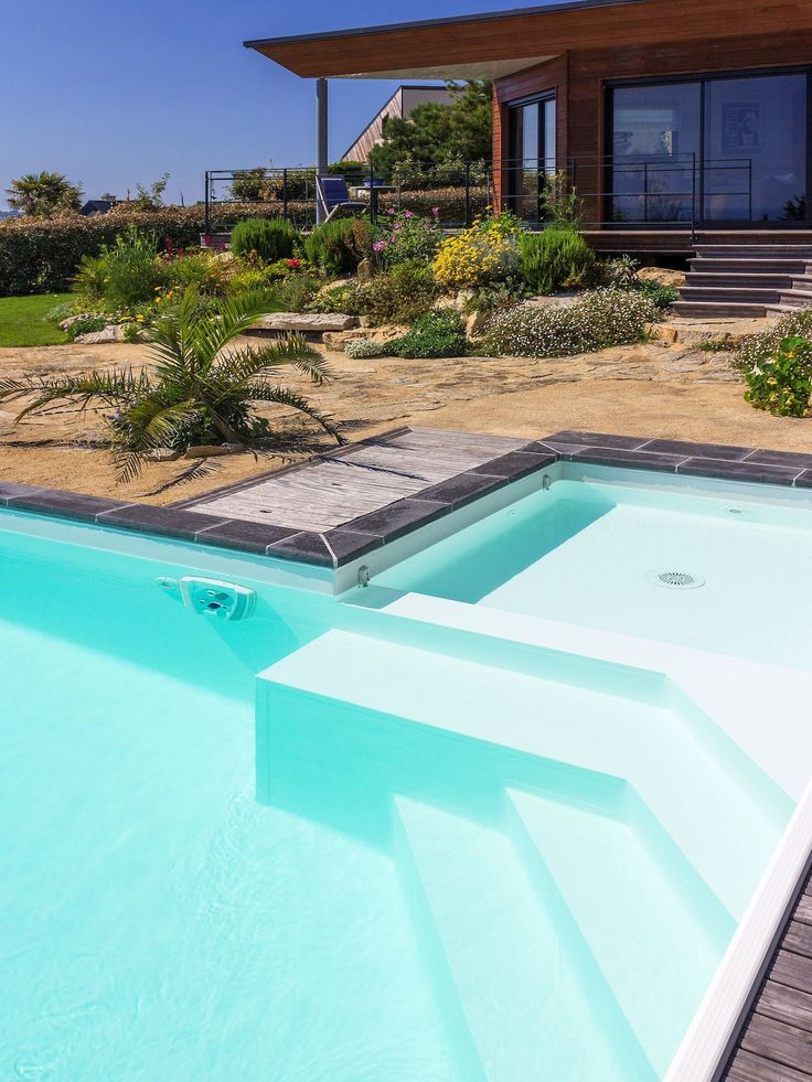 Les 85 meilleures images du tableau piscines familiales - Margelle piscine ardoise ...