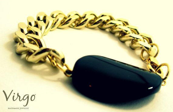 Handmade Onyx with Golden Chain Bracelet.  Size: approx. 17cm   We can resize for you, all of our jewelries, so feel free to ask!  Τhe bracelet comes in a gift box!  Do you like this item? See more at: https://www.etsy.com/shop/VirgoHandmadeJewelry  Like us on Facebook:  https://www.facebook.com/VirgoHandmadeJewelry  or   follow us on Pinterest: www.pinterest.com/VirgoJewelry   Thanks for stopping by - Virginia