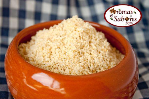 Receita de farofa simples de alho saborosa e crocante.