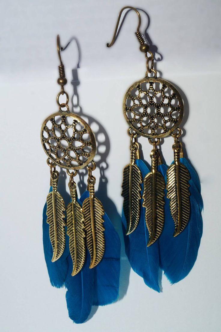 Comanda online acesti cercei etnici, de efect, realizati din aliaj de cupru de inalta calitate si pene, ce reprezinta un accesoriu extrem de versatil, fiind usor de purtat in diferite combinatii.  Cu ajutorul lor se poate crea un look-simbol, ce expune personalitatea extrovertita a celei care ii poarta.  Shop: www.bijuteriisiarta.ro  Telefon: 📱 0730799703 📱   #Follow #Fashion #Beauty #Shopping #Happy #Popular