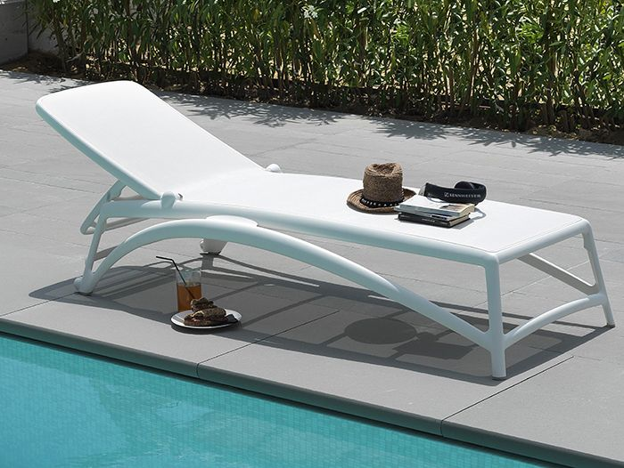 The sunbeds are perfect to rigenerate after a stressfull day. Enjoy the sun in own garden it's a real pleasure from which is difficult to renounce. Tell us what is your personal oasis of relaxation. http://bit.ly/1GKiMTh