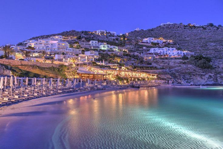 Condé Nast Traveler: 7 Greek Resorts Among Europe's Top 30