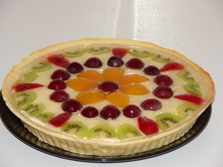 Tarta cu crema de vanilie si fructe
