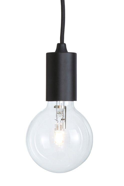 Stilren fönsterlampa av lackad metall. Dimbar. Snygg att hänga flera i klunga, gärna i blandade färger. Höjd 6,5 cm. Ø 4,5 cm. Ljuskällans diameter 9 cm. Textilkabel, längd 2,8 m. EU-kontakt. Stor sockel E27. Max 60W. Väggkontakt. Ljuskälla medföljer. <br><br>