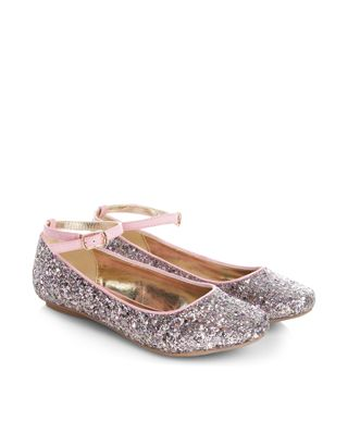 Put a sparkle in her step with our glittery ballerina shoes for girls, designed with adjustable ankle straps. Flat, gripped soles make for comfortable wear.