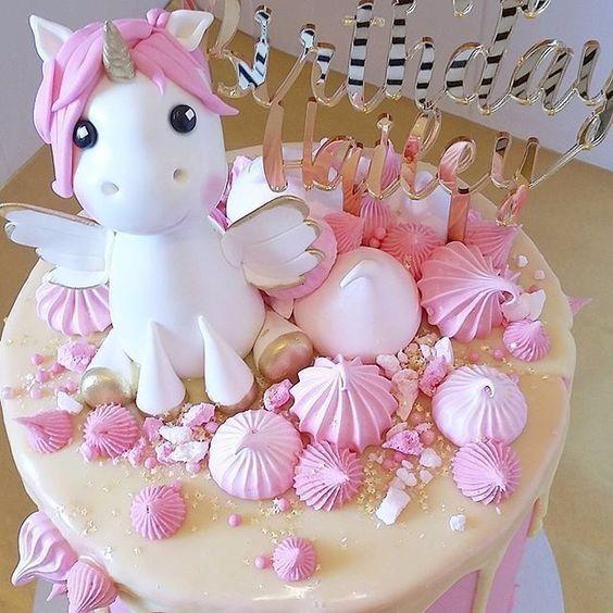 Unicorn b day cake!