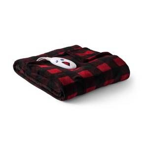 Stay toasty warm during the colder months with the Microplush Heated Extra-Long Throw from Biddeford Blankets. This electric blanket includes 10 heat settings so you can find the right temperature and an auto shutoff feature in case you doze off. Plug it in near drafty areas of your home to stay warm or next to your armchair for a cozy spot to read.