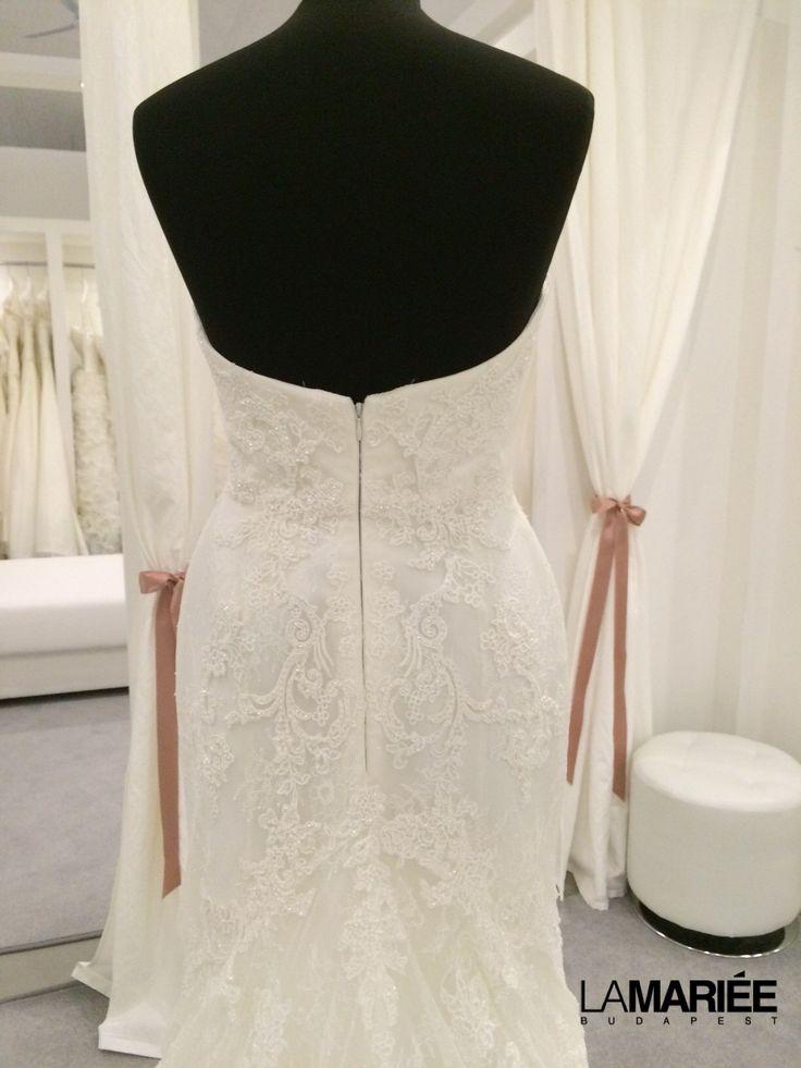Bertina esküvői ruha a 2015 Pronovias kollekcióból  http://lamariee.hu/eskuvoi-ruha/pronovias-2015/bertina
