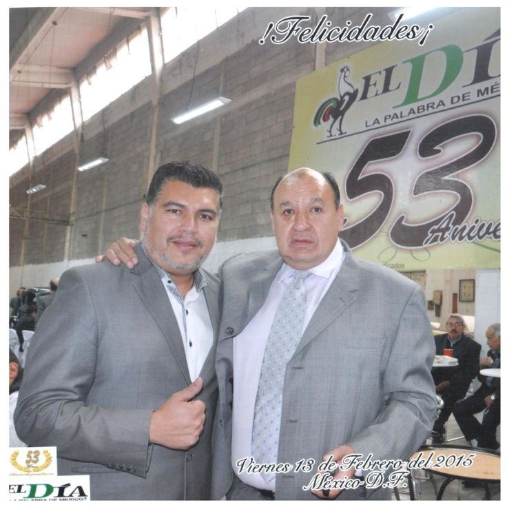 """#K2 Julio Mañueco CEO DE @Klasifica2 con Gullermo Escalante Nuño Director del Diario de """"La Palabra de México"""" celebrando el 53 Aniversario del Periódico @ElDiaMexico y Alianza estratégica convirtiendo en el portal de anuncios clasificados oficial del Periódico El Día http://www.klasifica2.com y ahora estrenando nueva estación de radio y Tv comandada por Mañueco http://www.periodicoeldiaradiotv.mx"""