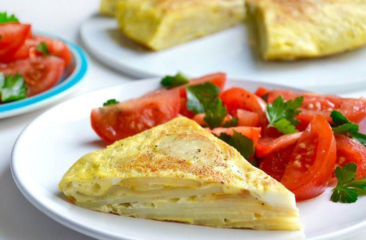 All you need is 30 minutes and a few simple ingredients for a quick and easy Spanish tortilla recipe paired with a refreshing tomato salad.