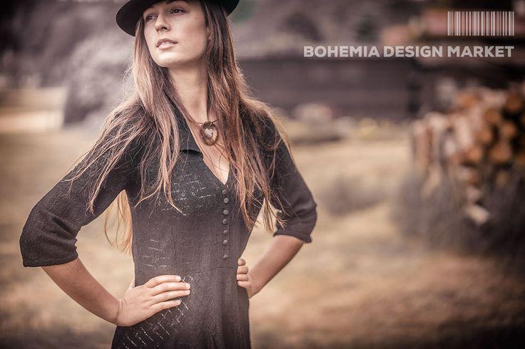 Crystal Flower Necklace - by AshaaDox<<  Enjoy Uniqueness & Quality of Czech Design  http://en.bohemia-design-market.com/designer/ashaadox