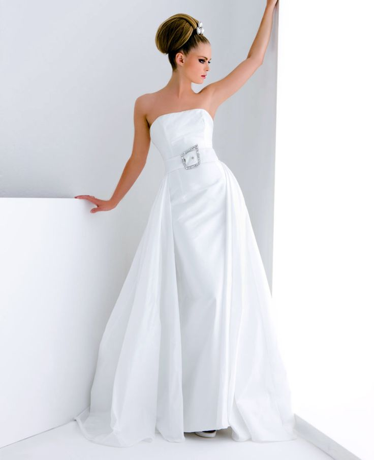 Model: Dior - Collezione Chanel di Gloria Saccucci Spose