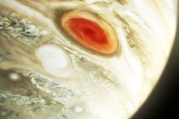 Jupiter's 'Great Red Spot' Blasting Heat Into Upper Atmosphere | Video