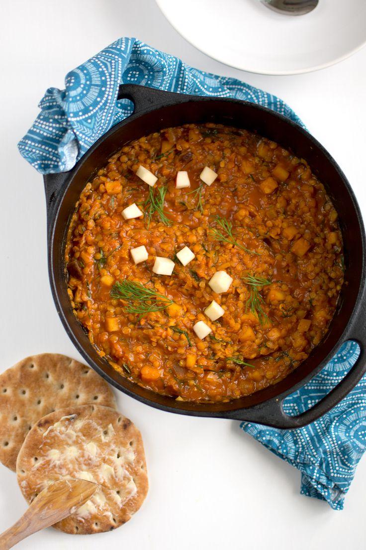 Linsgryta med curry, äpple och dill