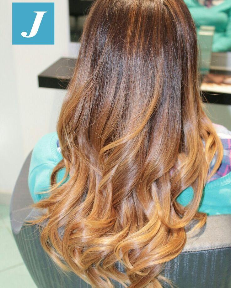 Degradè Joelle con sfumature nocciola  www.degradejoellematera.it  Zero Difetti Studio Acconciatori  Fisso ☎ 0835388787  WhatsApp  3290148072  #hair #hairstyle #instahair #hairstyles #haircolour #haircolor #hairdo #haircut #longhairdontcare #braid #fashion #instafashion #straighthair #longhair #style #straight #curly #black #brown #blonde #brunette #hairoftheday #hairideas #braidideas #perfectcurls #hairfashion #hairofinstagram #coolhair #degradè #degradejoelle