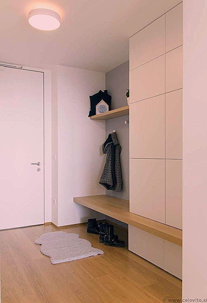 Einfacher Eingangsbereich Kleiderschrank Flur Diy Eingangsbereich Ikea In 2020 Garderobe Flur Garderobe Garderobe Ideen