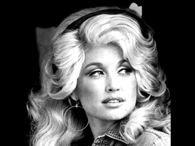 """Dolly Parton's """"Jolene"""" Slowed Down To 33 rpm Sounds Absolutely Amazing. It is hard to believe this is Dolly with it so slow WOW!!!"""