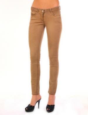 Коричневые джинсы женские