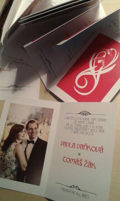 Naše svatební oznámení už znáte. Nese se v duchu 30. let :) díky naší fotografce Ivči, která byla ochotná kolorovat námi vybranou fotku. :)