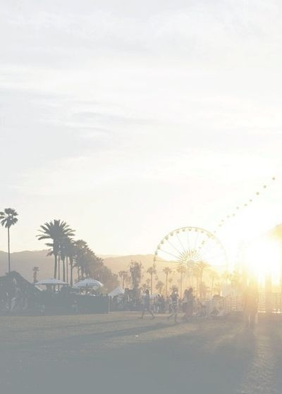 Iphone or Android Coachella Festival background wallpaper selected by ModeMusthaves.com