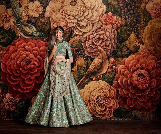 Sabyasachi Campaign 2016 @sabyasachiofficial Model: @kanika.dev Hair: @francovallelonga Makeup: @aabhijit_c Assistants: @vikram_rana, @nithin_1990 & Varun Sharma Post: Arun Kumar #sabyasachi #indian #designer #vintagecouture  #India #fashion #madeinindia