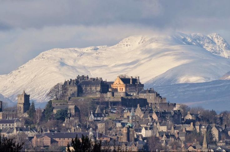 Stirling Castle looking stunning as always with snow on the Stuc a Chroin.