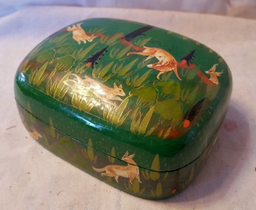 vintage-lacquer-trinket-box-hand-painted-animals-kashmir-india-c9e5a8d5294ffb03d9ebe28e0f9828b6.jpg 500 × 411 pixlar
