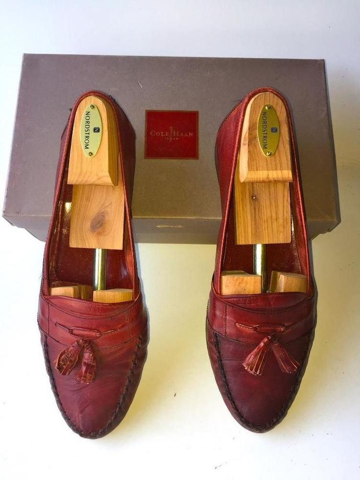 COLE HAAN TASSELS LEATHER MENS  SLIP ONS/LOAFERS Size 11M~CORDOVAN~MADE ITALY~GC #ColeHaan #LoafersSlipOns
