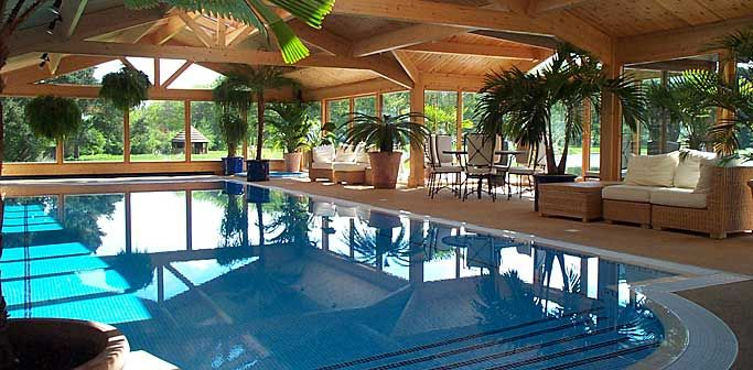 Logs Homes with Indoor Pools | Scottish pool builders | indoor swimming pools