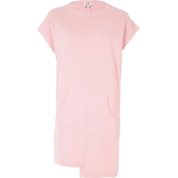 River Island Light pink split pocket sweat dress ($48) ❤ liked on Polyvore featuring dresses, pink, t-shirt dresses, women, short-sleeve dresses, pink tshirt dress, t shirt dress, short sleeve tee shirt dress and light pink dress